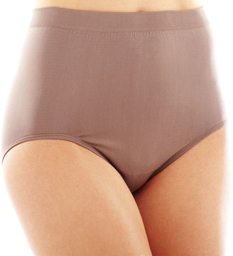 Vanity Fair Perfectly Yours Seamless Tailored Briefs - 13083 $11.50 thestylecure.com