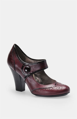 Sofft 'Fiona' Mary Jane Pump