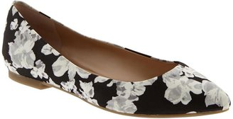 Banana Republic Carlie Flat