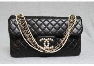 Chanel pristine (PR Black Quilted Lambskin Westminster Pearl Flap Bag