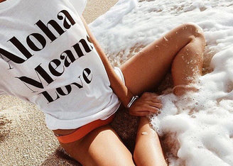 Gillia Clothing - Aloha Tee