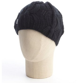 Vince Camuto black cable knit hat