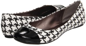 Kenneth Cole Reaction Slipified (Black/White) - Footwear