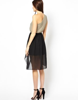 Rare One Shouder Chiffon Dress