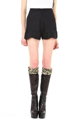 Eve Gravel Black Scallop Shorts