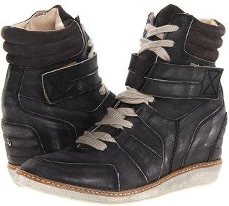 Diesel Turn Around Carabas Wedge Sneaker (Soft Black Leather) - Footwear