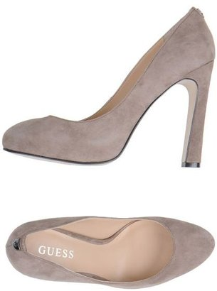 GUESS Platform pumps