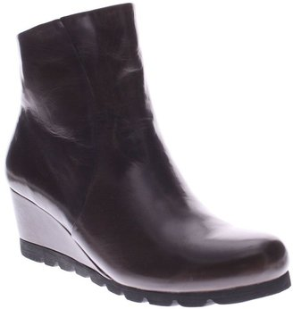 Spring Step Leather Ankle Boots - Ravel
