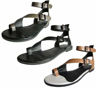 Kenneth Cole New York Women's Ditmas Toe Ring Sandal
