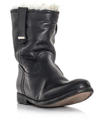 Burberry Brit Alaska boots