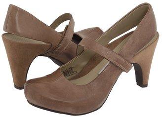 Tsubo Acrea (Mid-Brown) - Footwear