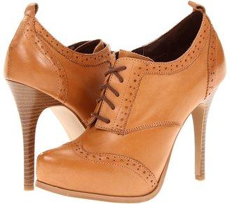 Fergie Guarded (Tan) - Footwear