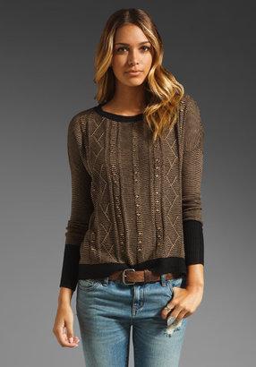 BB Dakota Hoz Acrylic Sweater Knit