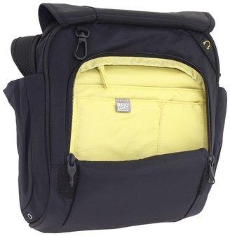 Pacsafe MetroSafe 200 GII Anti-Theft Shoulder Bag Computer Bags