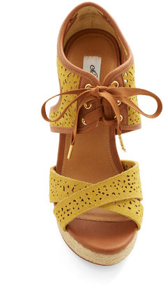 Bali Breeze Wedge in Sunshine