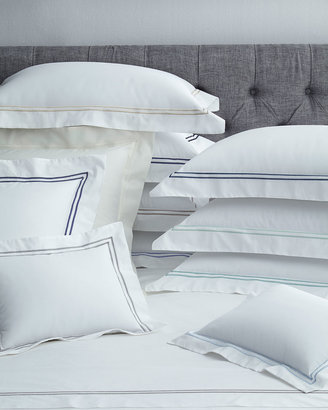 Sferra Twin New Resort 200 Thread-Count Solid White Fitted Sheet