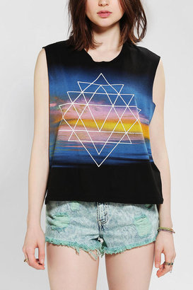 Truly Madly Deeply Horizon Geo Muscle Tee