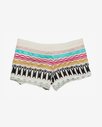 Chelsea Flower Exclusive Embroidery Pattern Shorts