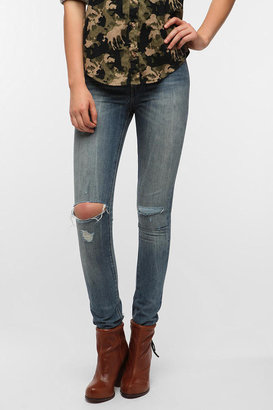 Levi's Demi Curve High-Rise Skinny Jean - Distressed