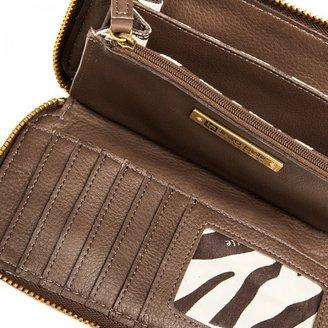 Linea Pelle Dylan Zip Wallet