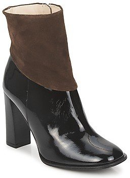 Paco Gil MERLOUNI women's Low Ankle Boots in Black