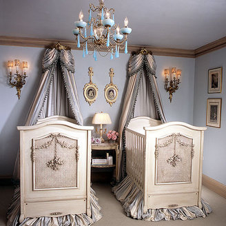 Orion Bonne Nuit Cherubini Crib in Opulent Finish