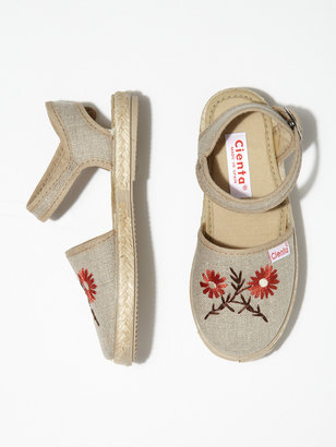 Cienta Embroidered Flower Espadrilles