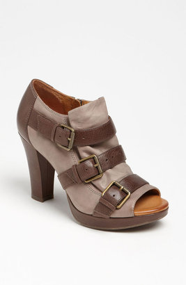 Naya 'Kindred' Boot