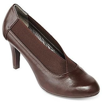 Hush Puppies Soft Style by Carlie Stretch-Vamp Pumps