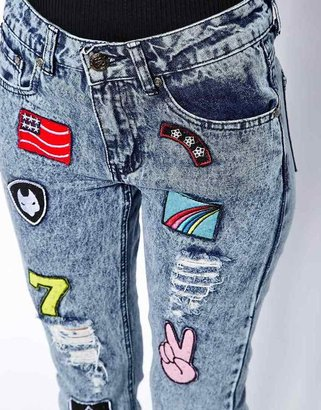 Daisy Street Mom Jean in Acid Wash with Badge Detail