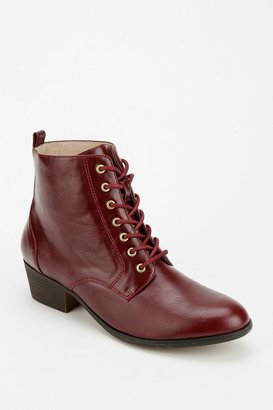 Urban Outfitters Chelsea Crew Dustin Lace-Up Boot