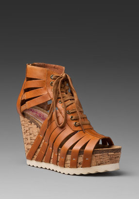 8020 Sobia Wedge