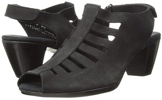 Munro American Abby (Black Nubuck) Women's Shoes