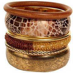 Boohoo Amelia multi textured bangle set
