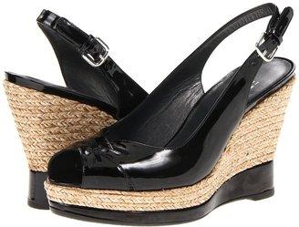 Stuart Weitzman Dolunch (Black Patent) - Footwear