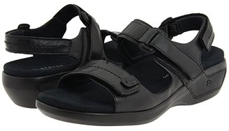 Aravon Katy (Black Leather) Women's Sandals
