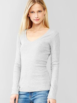 Gap Favorite long-sleeve V-neck tee