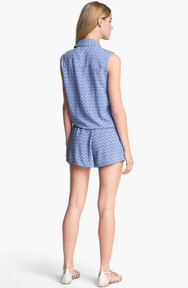 Vince Camuto Two by Pleated Print Shorts