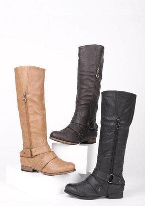 Delia's Taryn Boot
