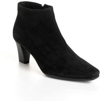 La Canadienne Deacon Suede Ankle Boots