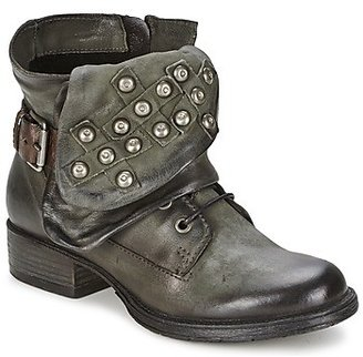 Dream in Green TAWFIQ women's Mid Boots in Grey