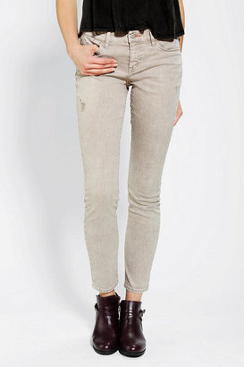 Urban Outfitters Dittos Selena Mid-Rise Skinny Jean