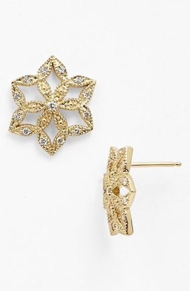 Mizuki 'Sea of Beauty' Diamond Flower Stud Earrings