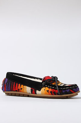 Pendleton *Sole Boutique The Penny Moccasin in Black Fabric