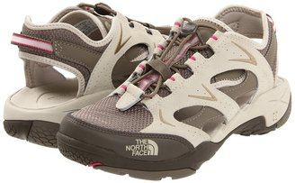 The North Face Hedgefrog II (Fossil Ivory/Parasol Pink) - Footwear
