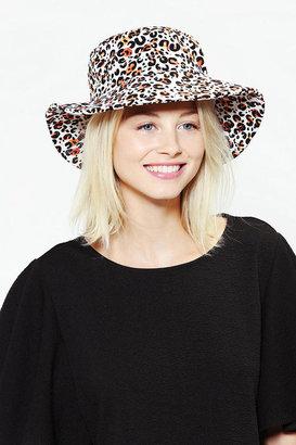 Stolen Girlfriends Club Bento Hat