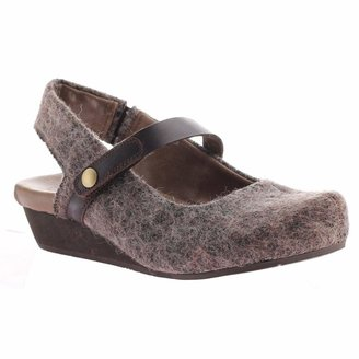 OTBT Women's Springfield Closed Toe Wedges - Fuzzy Brown - 6 M US