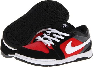 Nike SB - Mogan 3 Jr (Little Kid/Big Kid) (Black/University Red/Dark Grey/White) - Footwear
