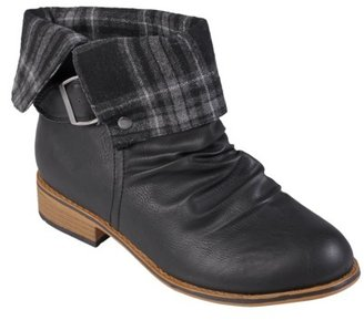 Journee Collection Womens' Buckle Detail Round Toe Boots