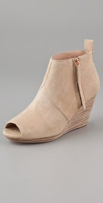 Dolce Vita Paxx Wedge Booties